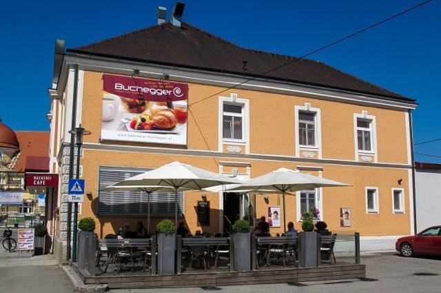 Filiale und Kaffeehaus in Andorf